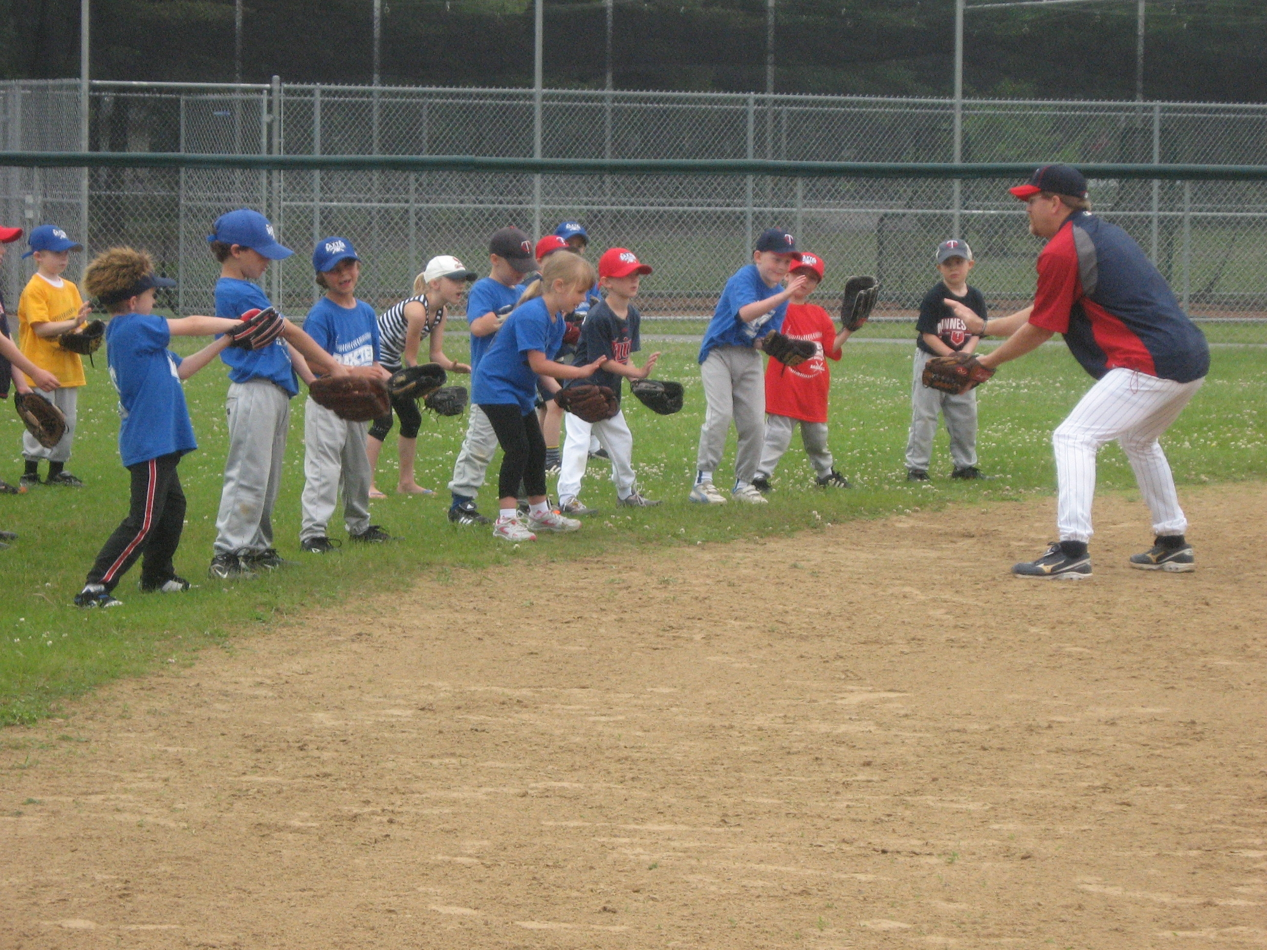 Twins to host free youth clinics Jan. 18 – Feb. 17